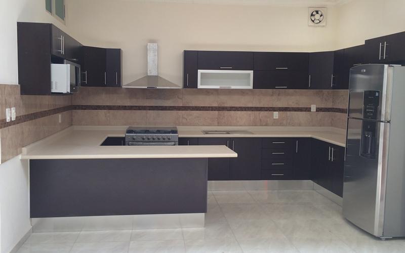 Cocinas minimalistas cocinas y closets en le n loh r for Muebles cocina leon